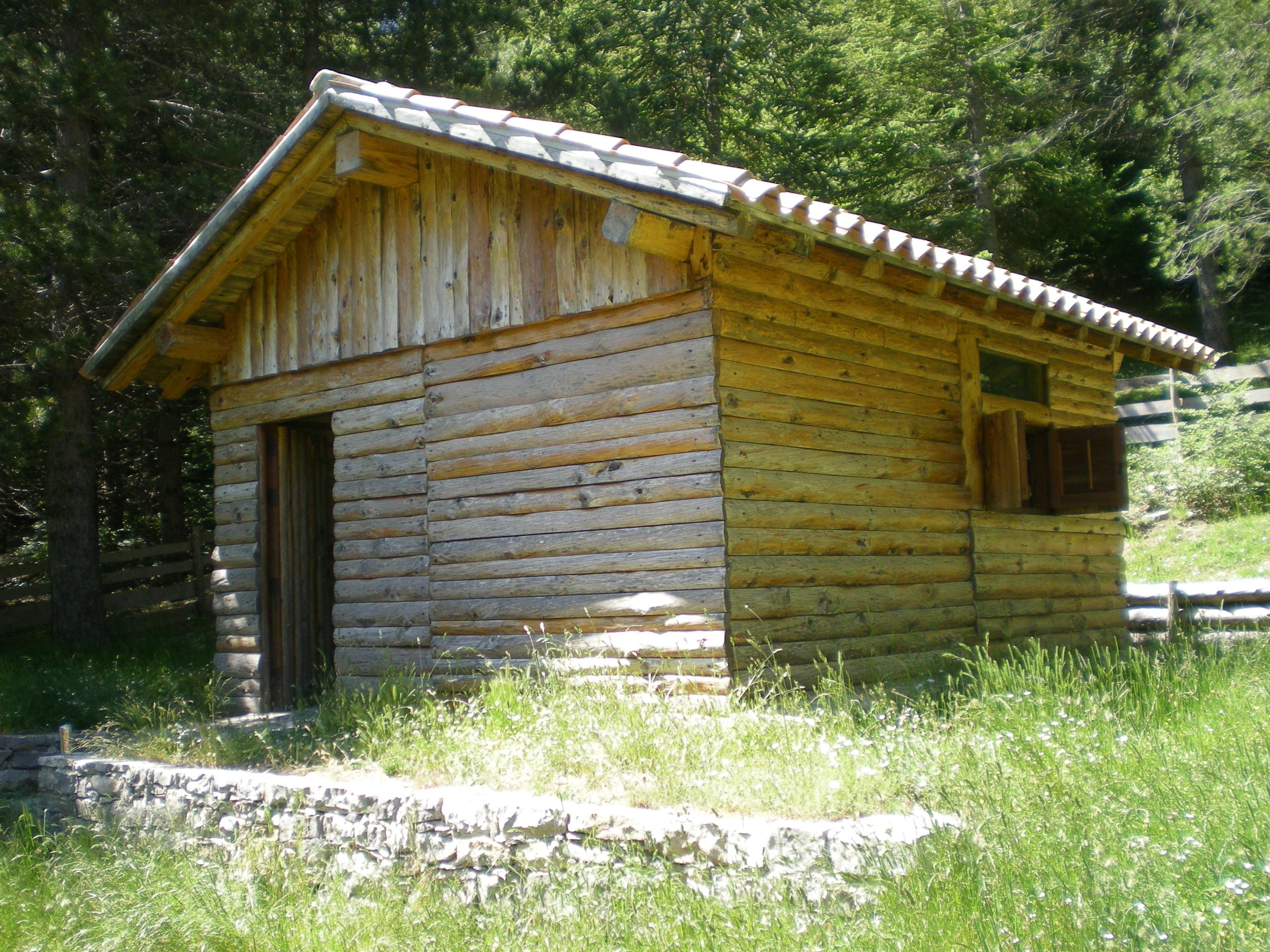 Di nuovo in campagna quell 39 insensata voglia di equilibrio for Piccola casetta in legno